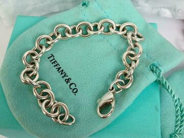 Women: (SOLD) Auth Tiffany & co Link Bracelet