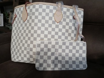 Buy Now: New bag with matching wristlet