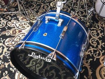 Selling with online payment: 1960s Blue Sparkle Club Date