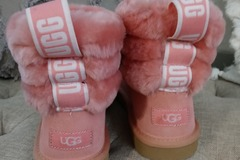 Buy Now: New UGGS and purse!