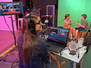 Rent Podcast Studio: Manhattan Beach Studios