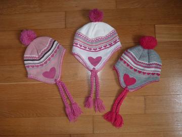 Vente: Lot de 3 bonnets fille 4-6 ans TBE
