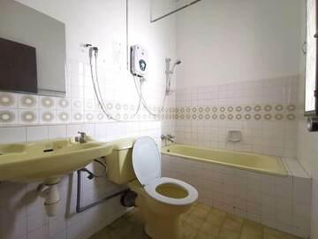 For rent: Room for Rent at Taman Mutiara Barat, Cheras