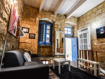 Rooms for rent: 2 bedroom Maisonette in Birgu center (internet incl)