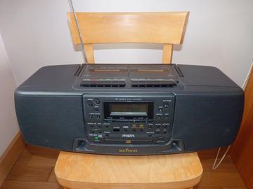 Selling: Radio cassettes lecteur CD Philips Bass Reflex AZ 8640/00