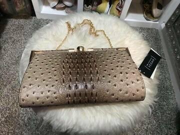 Selling : Handbag