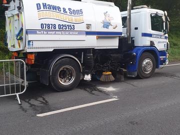 Hourly Equipment Rental: Road sweeper hire