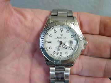 Make An Offer: Nice watch looks new
