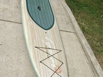 Renting out with online payment: YOLO Paddleboard (12 Foot)