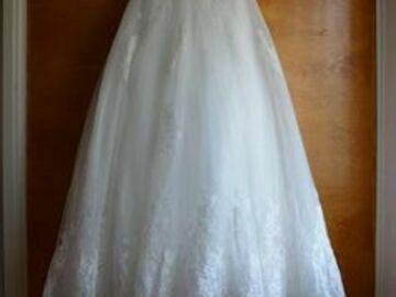Ilmoitus: Käyttämätön The Dress  Aquila -häämekko