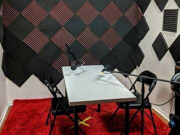 Rent Podcast Studio: Podcast Recording Studio | Peerspace