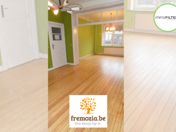 .: Opfrissing van houten vloer | door Fremozia