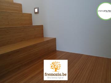 .: Bamboe project op vloer   door Fremozia