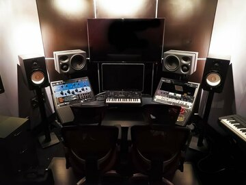 Rent Podcast Studio: Akela Recording Studios