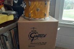 """Selling with online payment: 9 x 13"""" New Gretsch yellow satin flame"""