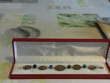 Vente au détail: bracelets-perles-semi-précieuses-et-pieces-de-monnaies
