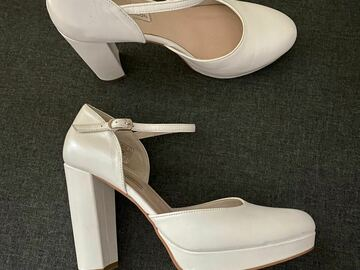 Ilmoitus: Leather Ángel Alarcón wedding shoes