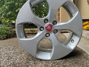 Selling: Jaguar XE Wheel Silver