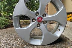 Selling: Jaguar XE Wheel Silver