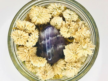 For Sale: Divine Goddess Soak - Relaxation Bath Soak with Amethyst Crystal