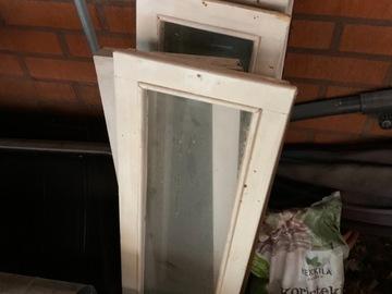 Ilmoitus: Myydään vanhoja ikkunoita