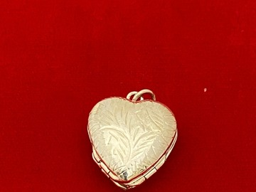 Liquidation/Wholesale Lot: 3 pcs--4 Photo Sterling Silver Heart Locket --$25.00 each