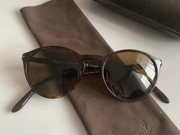 Selling with online payment: Persol Sunglasses