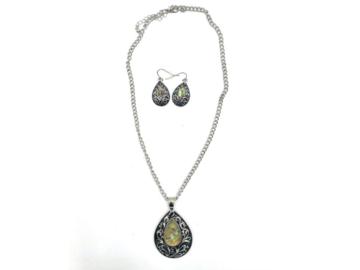 Liquidation/Wholesale Lot: 12 Genuine Abalone Shell Necklace & Earring set