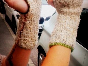 Vente au détail: Demi-gants de la laine naturelle