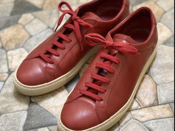 Selling with online payment: Common Projects Achilles Low in Red