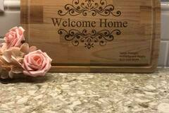 "Selling with online payment: ""Welcome Home"" Cutting Board"