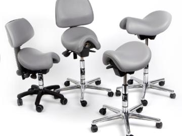Nieuwe apparatuur: Bambach werkstoelen bij Kouvelt Dental Service