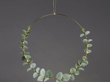 Ilmoitus: Myydään 2 kpl eucalalyptus valokranssi