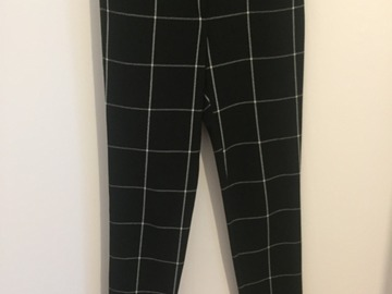 Selling: Black and white trousers