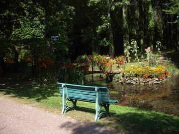 NOS JARDINS A LOUER: jardin 2 hectares équipé et entouré d'eau avec parking