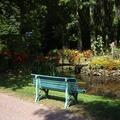 NOS JARDINS A LOUER: Trés grand jardin avec parking entouré d'eau