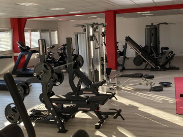 Vermiete Gym pro H: Sehr gut ausgetattetes Fitnessstudio