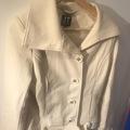 Selling: Luonnovalkoinen takki XS/S