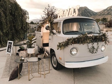 Hourly Rental: Gus the Photo Bus (Photo Booth)