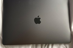 Selling with online payment: MacBook Air 2020