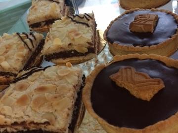 Vente avec paiement en direct: Pâtisseries et viennoiseries faites maison