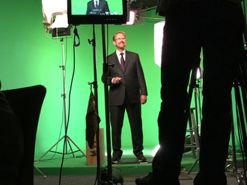 Book me for an event: Studio Live Stream Keynote