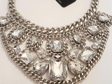 Liquidation/Wholesale Lot: 100 pieces Boutique Name brand Statement Necklaces