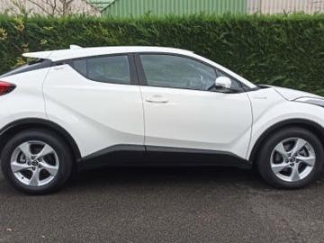 Offre: À vendre Toyota CHR hybride dynamic blanc pure