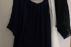Selling: Pleated top