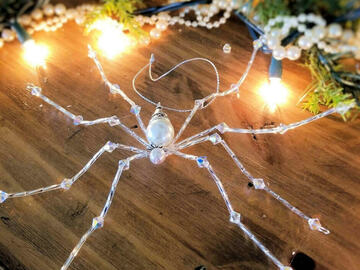 Selling with online payment: Swarovski Crystal Christmas Spider Ornament
