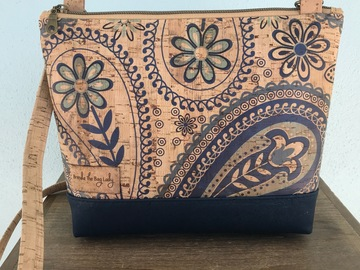 Selling with online payment: Floral Paisley Crossbody Purse