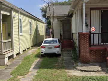 Monthly Rentals (Owner approval required): New Orleans LA, Safe and Secure Parking Near Everything