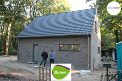 .: Eigentijdse houtskelet in open bebouwing | door 3bouw