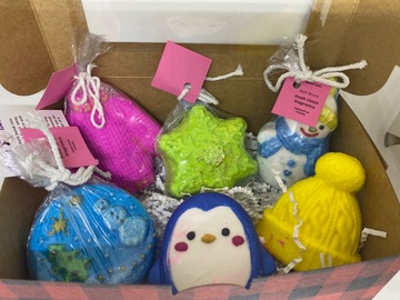 : FROSTY Christmas Gift Box